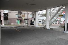 医院下駐車場